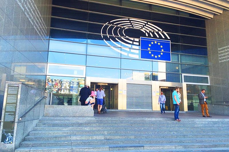 Nog meer belastinggeld voor schaamteloze EU-promotie